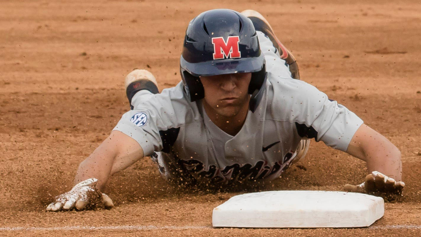 No. 3 Ole Miss vs. No. 2 Arkansas baseball video highlights, score Saturday Game 1