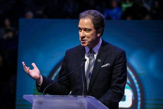 Would veteran announcer Kevin Harlan be a good fit on Monday Night Football?
