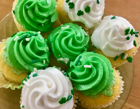 Pick up festive St. Paddy's Day cupcakes at Publix.