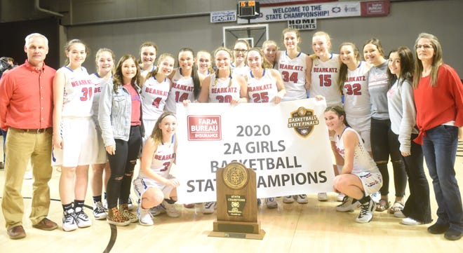 The Melbourne Lady Bearkatz won their second straight Class 2A State championship on Thursday night in Hot Springs, defeating Quitman, 47-28.