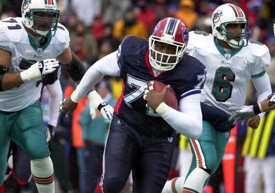 Chidi Ahanotu played one season for the Bills in 2002.