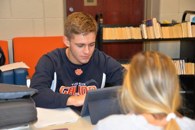 Wilson Frankhouse studies with fellow GECA classmates at Galion High School.
