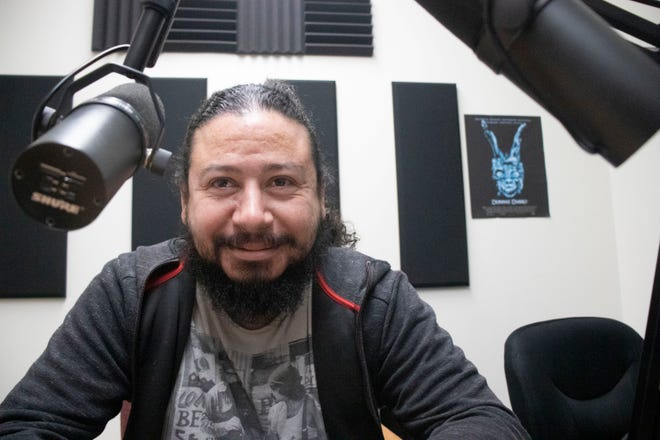 "Salad Byte Media owner, Osbaldo Lucero created a media group for Salinas locals interested in podcasting. Lucero, also known as ""Oz,"" is a self taught podcaster that helps run half a dozen podcasts which includes the newly popular 831 Comadres Podcast."