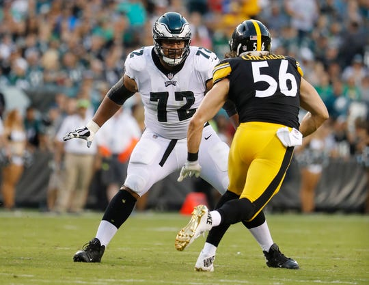 The Lions reportedly are signing Eagles offensive lineman Halapoulivaati Vaitai (72).