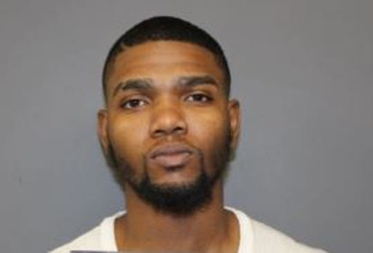 Tyreek Davis was arrested after allegedly threatening to shoot a 7-Eleven employee who carded the 18-year-old customer.