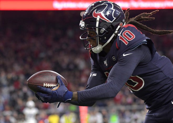 The Arizona Cardinals easily won the trade with the Houston Texans involving wide receiver DeAndre Hopkins, according to early grades for the deal.