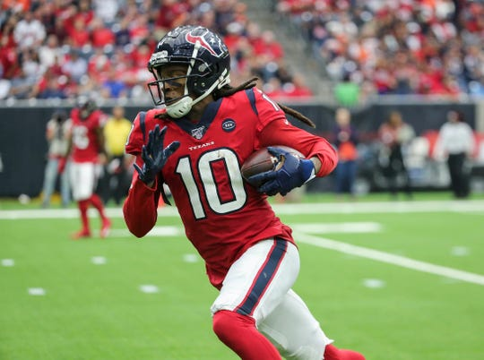 Wide receiver DeAndre Hopkins (10) figures to be a huge addition to the Arizona Cardinals' offense.