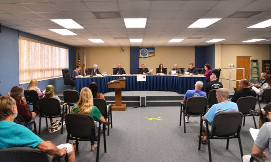 The Cocoa Beach city commission held an emergency meeting Tuesday night to discuss the Declaration of Emergency, giving the city manager the power do do what in needed for the safety of residents.  In a room that can hold 91, Seating was limited to 28 people plus staff, with seating separated. The meeting was broadcast outside for people that could not get in.