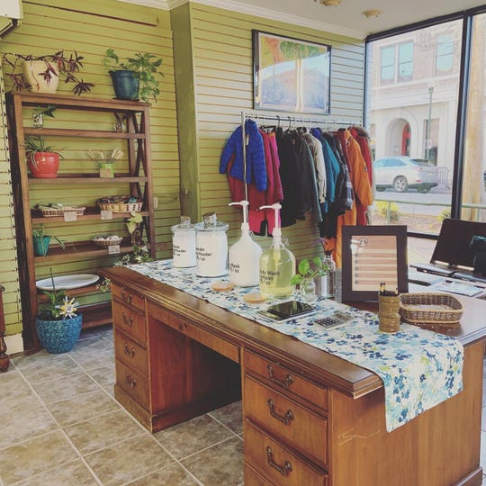 Sans Paquet is a new waste-free shop sharing space with SugarWolf and Hub City Cyles. Follow them on Facebook for schedule and availability after the public health crisis is over.