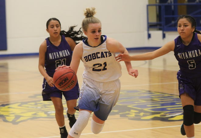 Bloomfield's Halle Payne, seen here playing against Miyamura on Saturday, February 1, 2020 at Bobcat Gym in Bloomfield, was named the District 1-4A girls basketball player of the year.