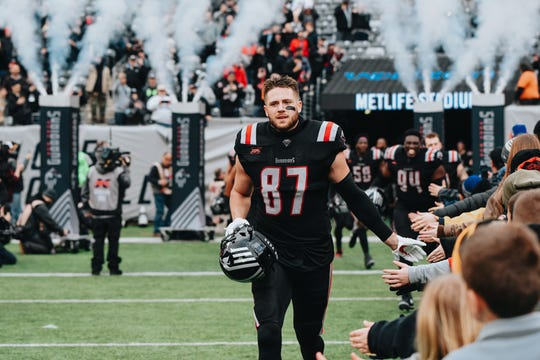 New York Guardians tight end Jake Powell, a graduate of Cherokee and Monmouth, takes the field for the 2020 XFL opener at MetLife Stadium.