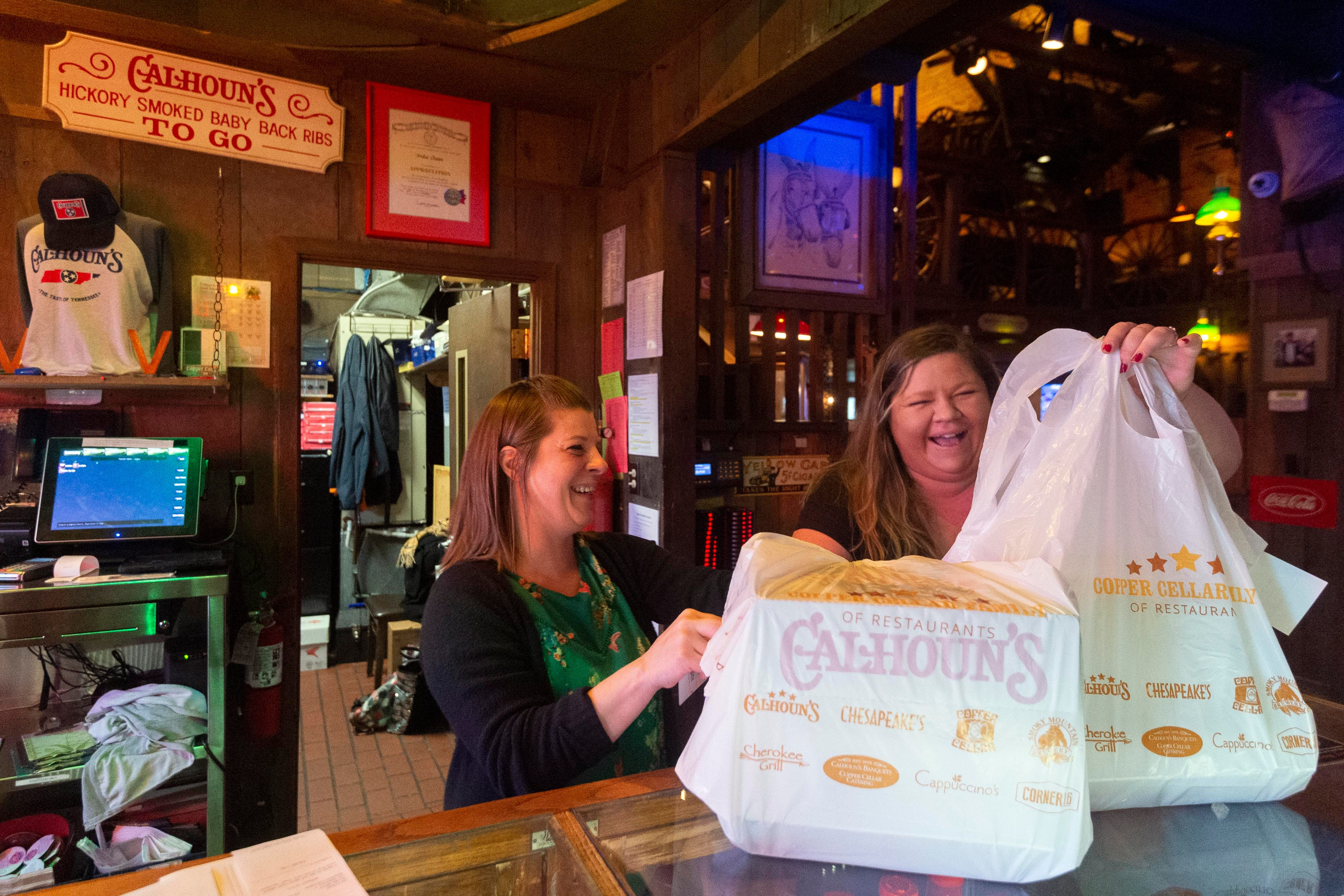 Knoxville Restaurants Open During