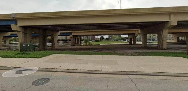 Plans are proceeding to develop a dog park beneath I-794, south of West Clybourn Street and west of the Milwaukee River.