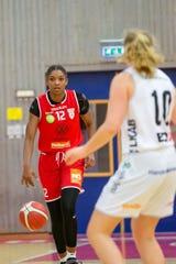 Aliyah Huland El of Randolph has played with Högsbo Basket in Sweden since October.