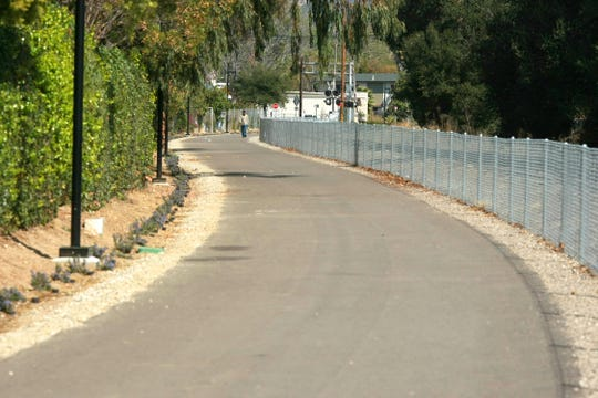 A section of the Santa Paula bike path winds its way parallel to the railroad tracks.