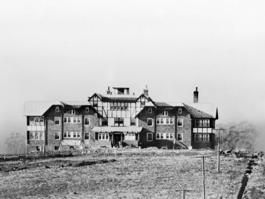 The original Fort Sanders hospital building shortly before it opened in 1920.