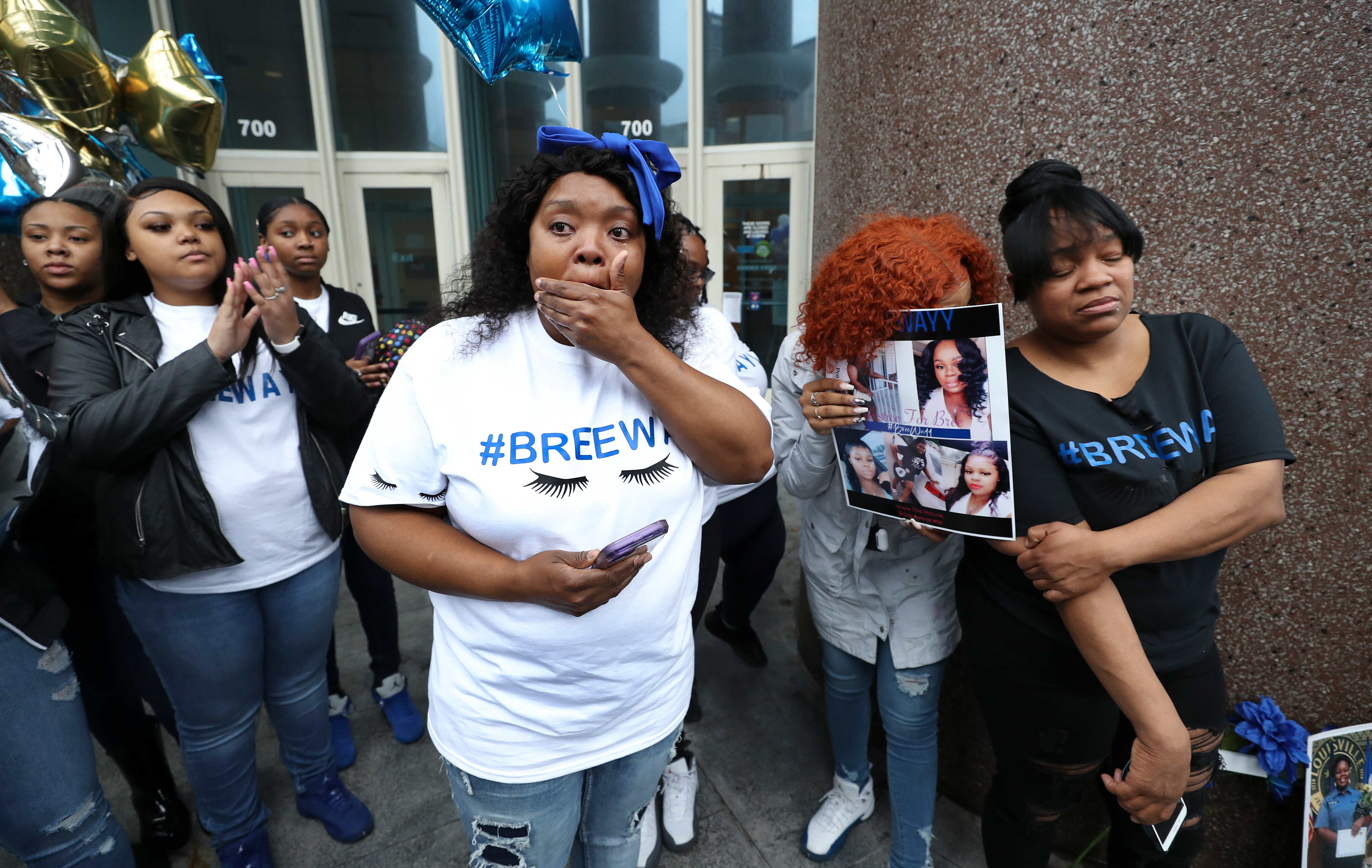 Mother Of Breonna Taylor Louisville Er Tech Shot By Police Speaks Out