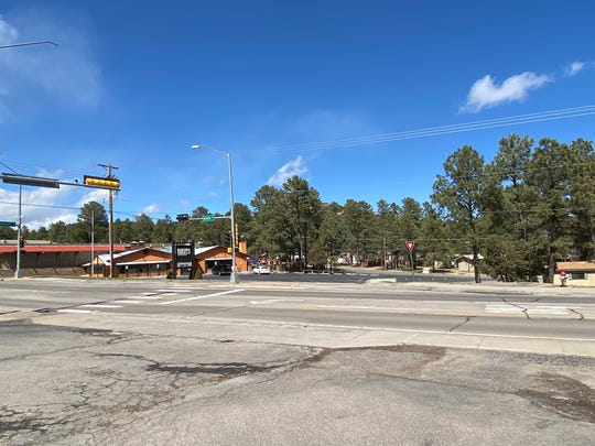 An eerie sight in Ruidoso that marked the recent statewide mandate closures of public places. The streets were empty at high noon as if it were a ghost town.