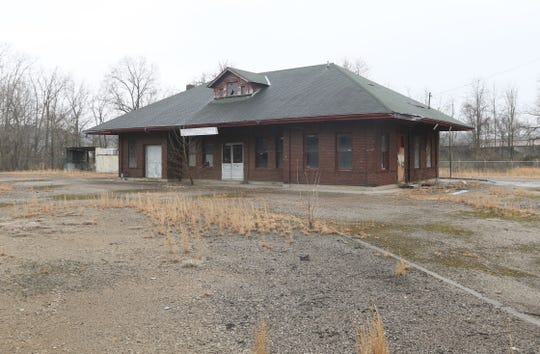 Dozer Place Linden LLC requested a change to Zanesville's zoning map to allow them to purchase an unused railroad station from the Ohio Central Railroad during a recent Planning Commission meeting.