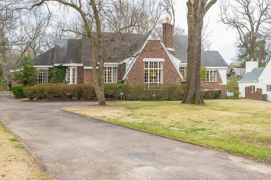 Meade and Thomas Carlisle's family home.