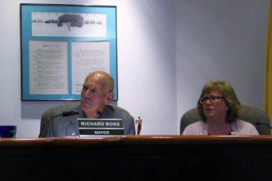 Alamogordo Mayor Richard Boss and Alamogordo Mayor Pro Tem Nadia Sikes at the Alamogordo City Commission Emergency Meeting March 23.