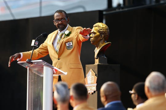Kenny Easley gives his acceptance speech during the 2017 NFL Hall of Fame enshrinement at Tom Benson Hall of Fame Stadium in Canton, Ohio, on Aug. 5, 2017.