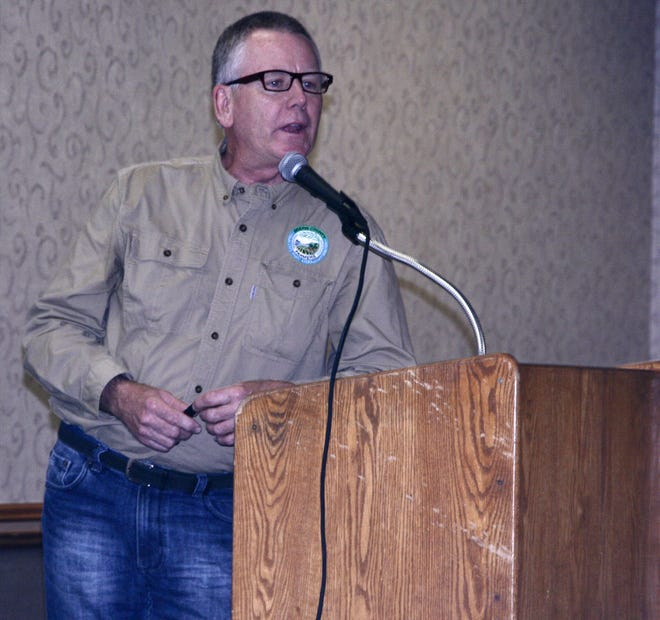 Tony Peirick, chairman of the Dodge County Farmers for Healthy Soil – Healthy Waters, and co-owner of T&R Dairy LLC, shared with fellow farmers some of the progress he and other members of his network have made to improve soil and water quality in Dodge County.