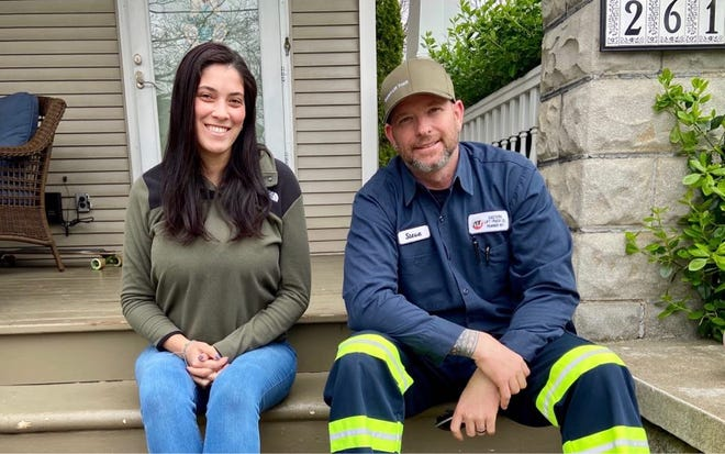 Kelli Aceto and Steve Radie partner on Audubon Peer to Peer Aid, a Facebook page that offers people a way anonymously ask for help when they need it.