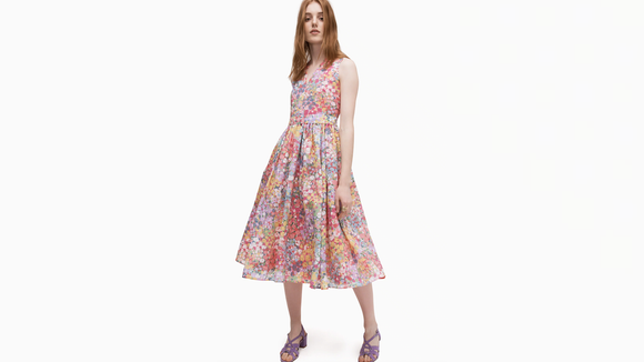 Embrace spring—and new fashion—thanks to this Kate Spade sale.