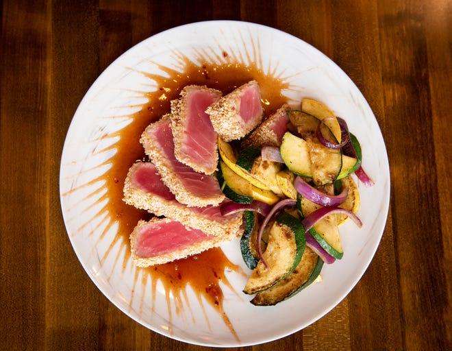 The Manhattan Tuna with grilled vegetables.