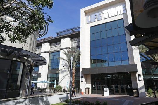 El nuevo Lifetime Fitness en Biltmore Fashion Park en Phoenix el 5 de marzo de 2020.
