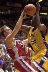 Mark Vershaw and the Badgers used a suffocating defense against Jabari Smith and LSU to prevail in the teams' 2000 Sweet 16 game in Albuquerque, New Mexico.