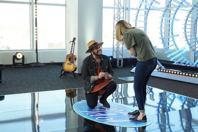 "Scottsdale's Jordan Jones proposes to Leaira Gavern at his ""American Idol"" audition."