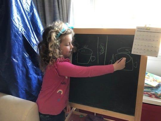 Lauren Ziemski transformed her living room into a classroom for her two daughters.