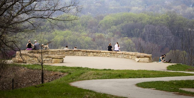 Park-goers practiced good social distancing at the Iroquois park lookout on Saturday afternoon. March 28, 2020