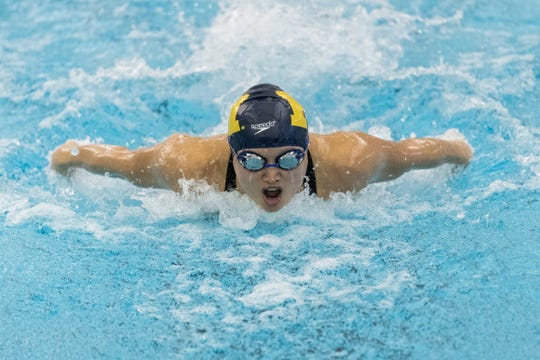 Maggie MacNeil at the University of Michigan men's and women's swimming and diving intersquad meet at Canham Natatorium in Ann Arbor on Oct. 18, 2019.