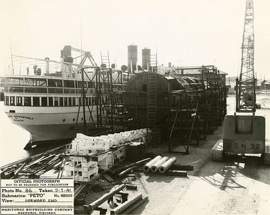 USS PETO under construction at Manitowoc Shipbuilding Company in 1941.