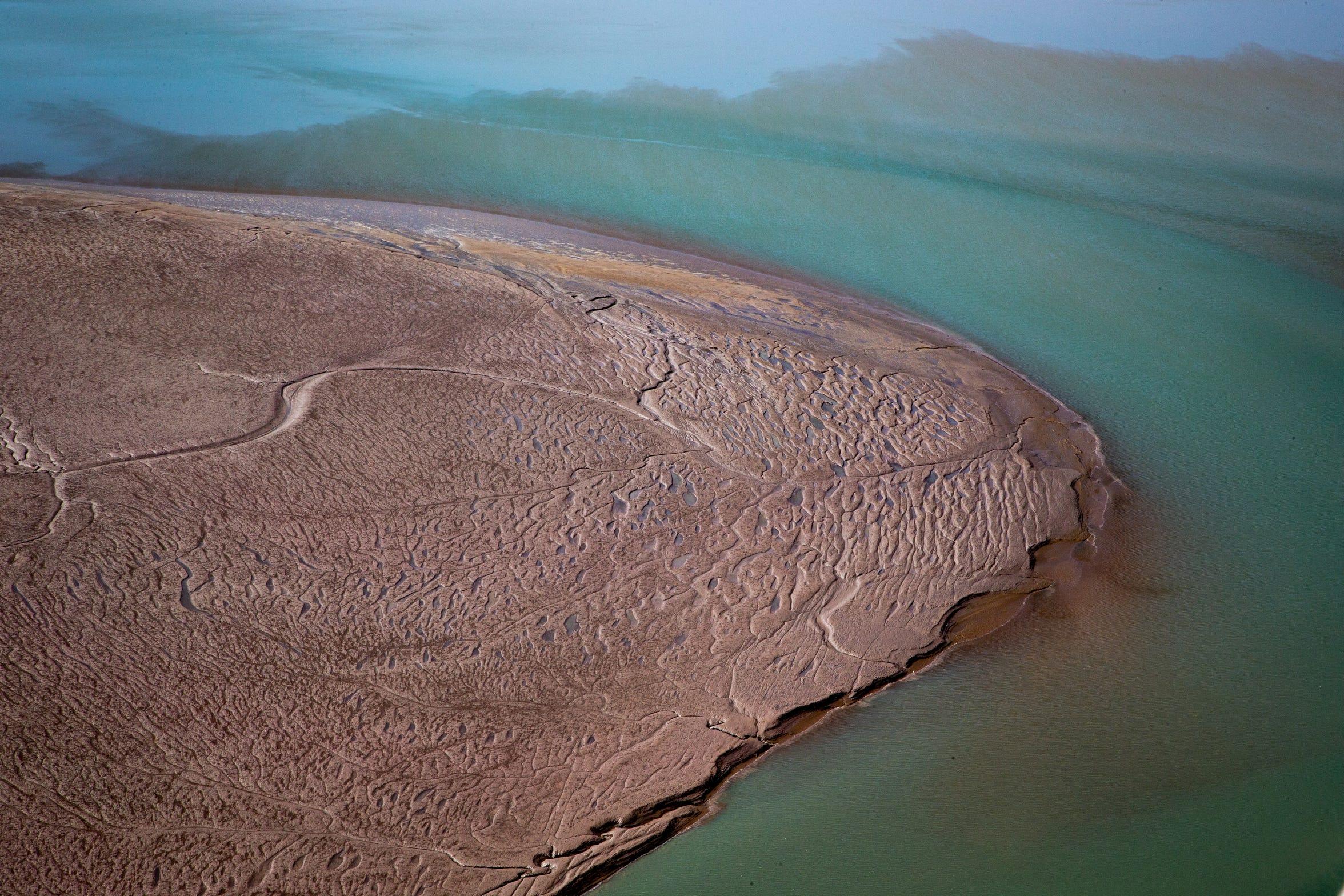 El canal de marea del estuario superior del Delta del Río Colorado cerca del Golfo de California en México.