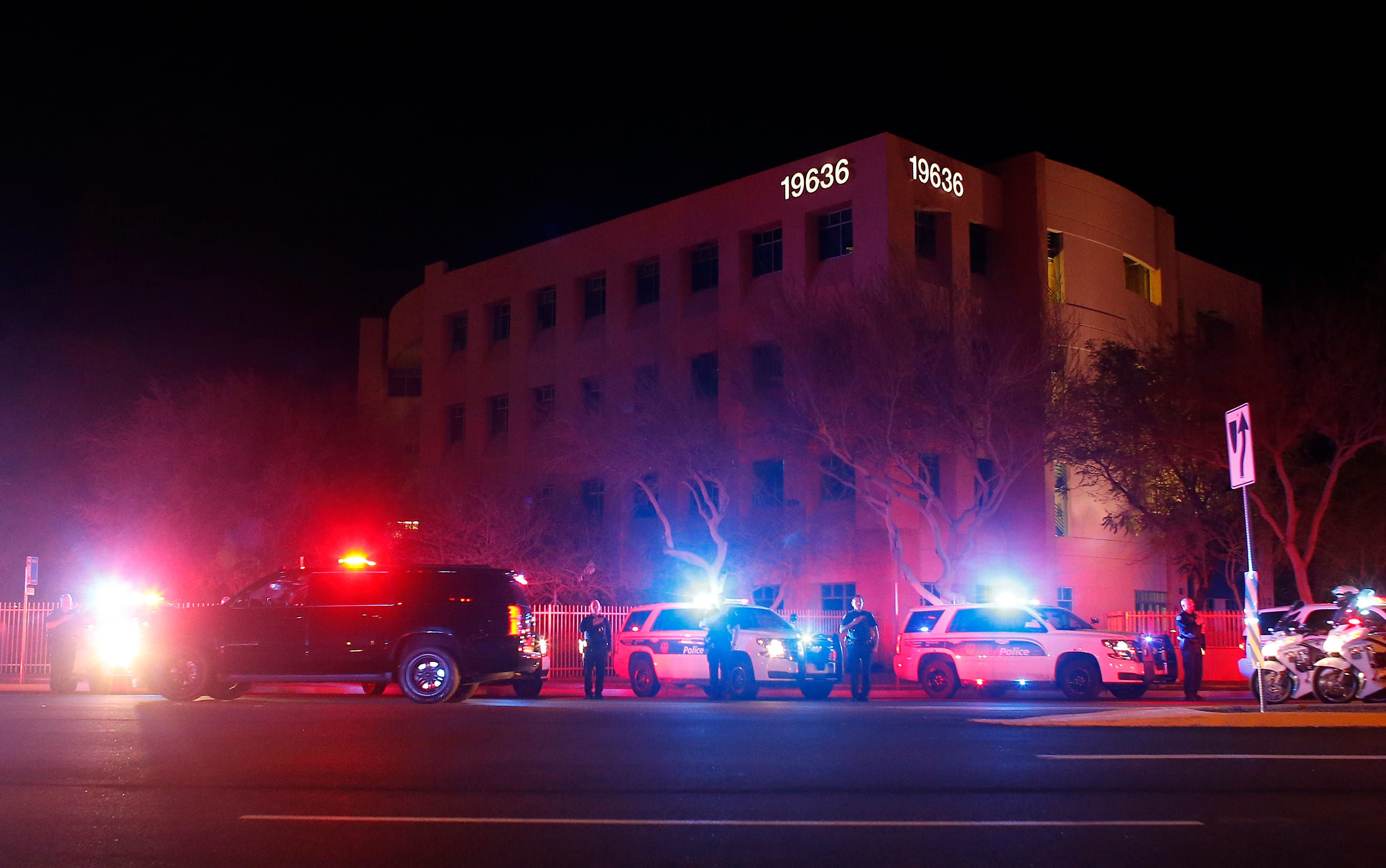 Police commander killed, 2 officers wounded in Phoenix shooting