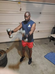 Personal trainer Scott Smith is offering free exercise classes on his Facebook page.