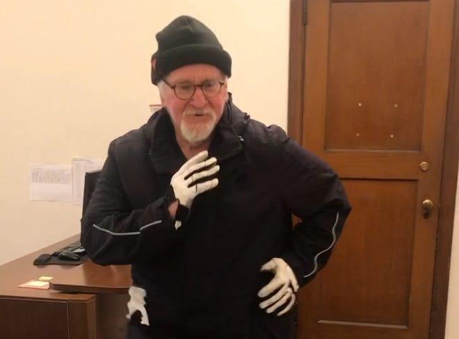 Dr Naison danse