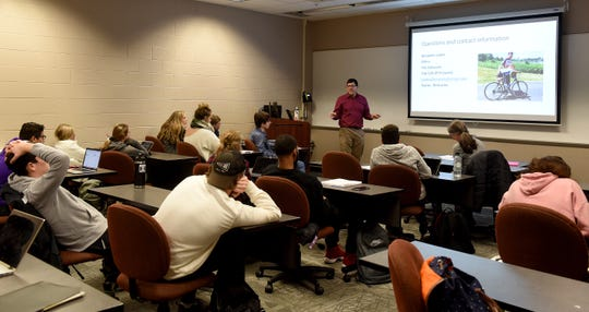 Newark Advocate editor Ben Lanka speaks to a media class at Ohio State University's Newark campus on Monday, Jan. 27, 2020.