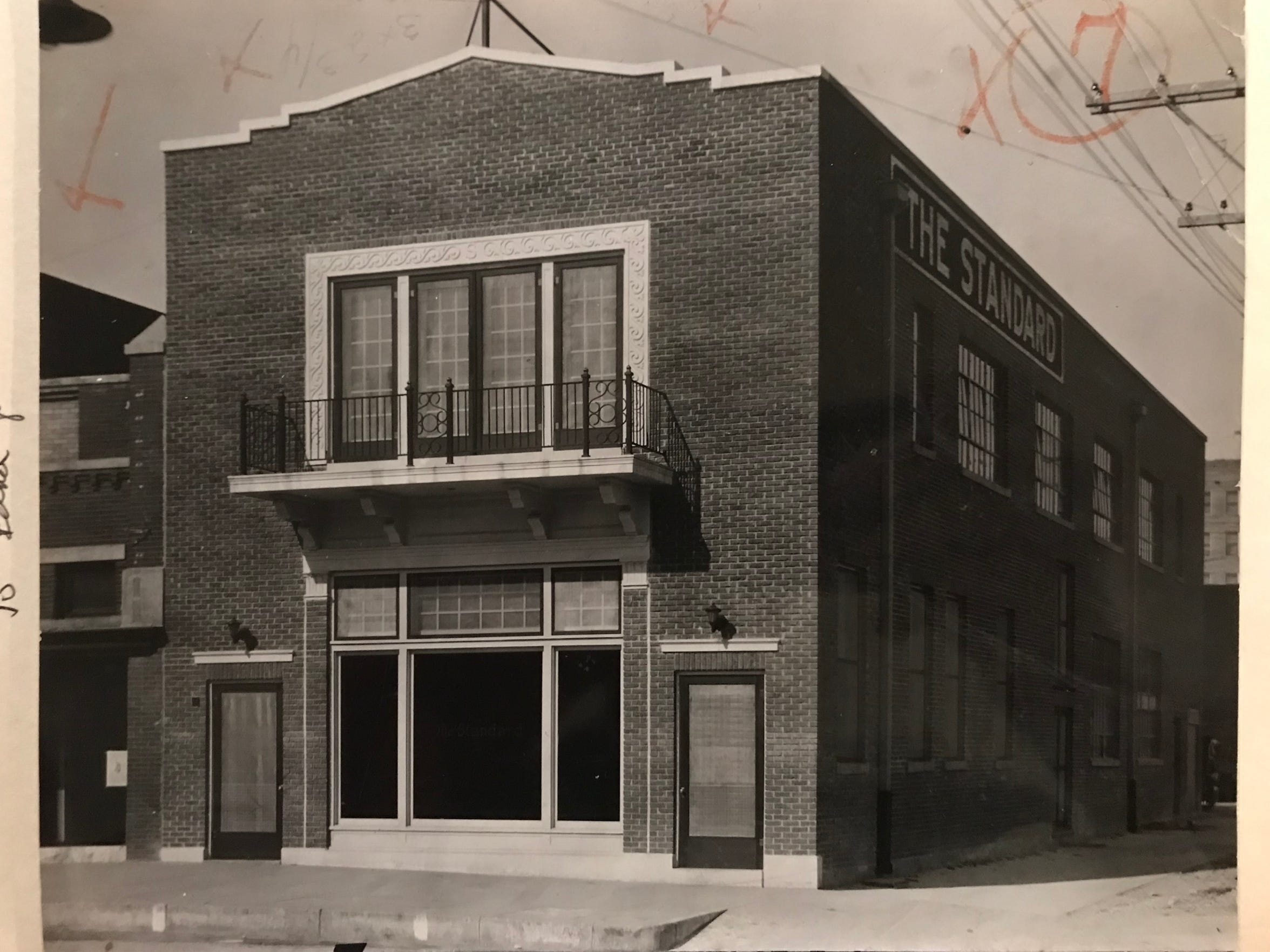 The Standard was located at 19 N. Chadbourne St. in San Angelo from 1925 to 1951, and from this building, Publisher Houston Harte turned the business into the premier news-gathering organization in West Texas.