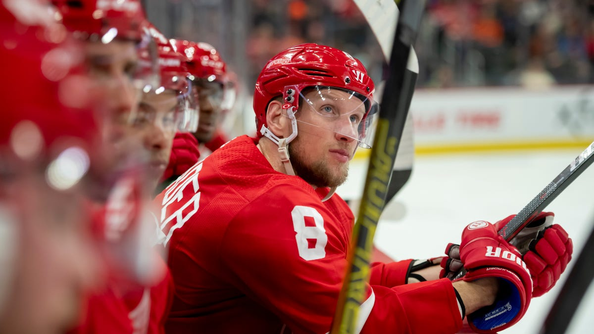 Agent: Ex-Red Wing Justin Abdelkader 'eager' to find new NHL team 1