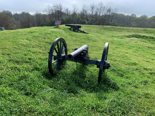 Civil War cannons on the battlefield at Vicksburg National Military Park.