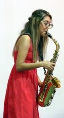 Luz Perez playing a Bach solo.