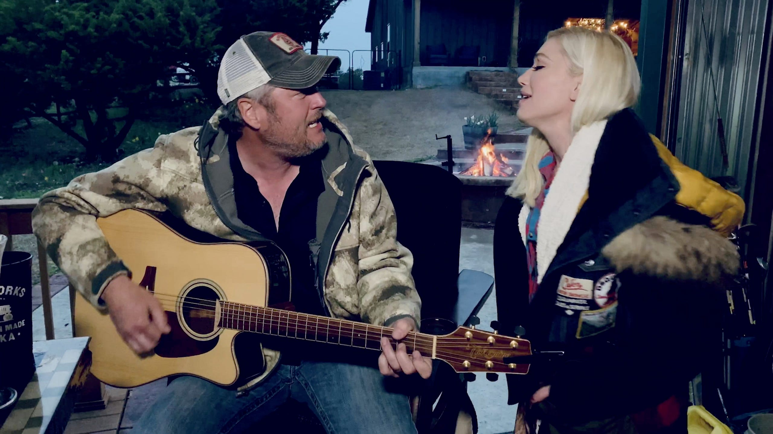 ACM s  Our Country : Blake Shelton and Gwen Stefani sing after  drinking all day