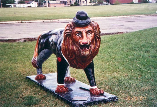 """The Dandy Lion"" by William Greider stands on Ceape Ave. as part of the public art exhibit ""The Pride of Oshkosh"" in 2004."