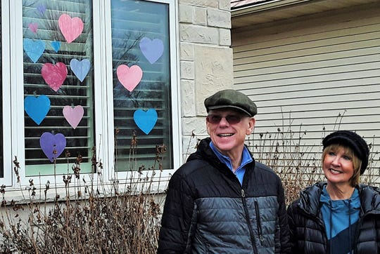 Coralville retirees Joe and Elaine Rigsby have a personal connection to the Galesburg, Illinois woman whose Heart Hunters movement on Facebook has gone viral with more than 600,000 members to date.