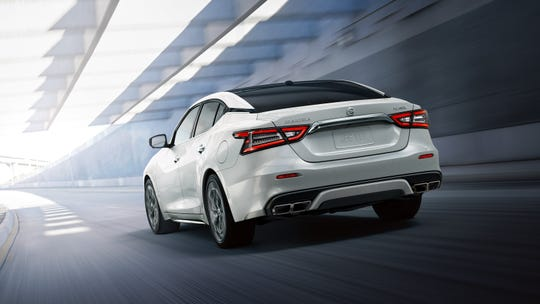 Stylishly sculpted with a lower roofline, the 2020 Nissan Maxima SR boasts a 300-horsepower, 3.5-liter V6 engine that delivers 261 pound-feet of torque.